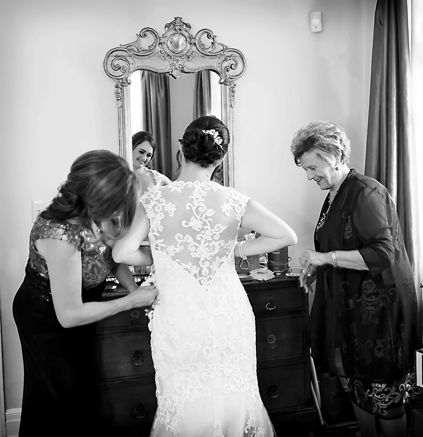 Captured Heart | 8_Bridal_gown_getting_dressed.jpg